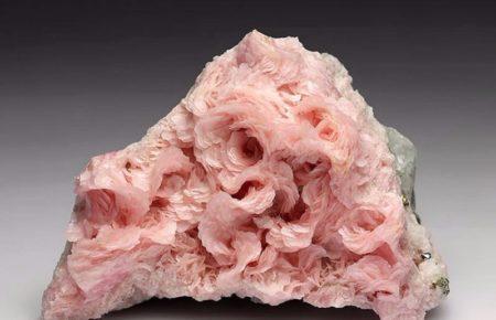 камень родохрозит