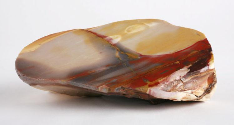 камень мукаит