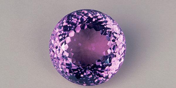 Камень кунцит: магические и лечебные свойства, кому подходит по знаку Зодиака